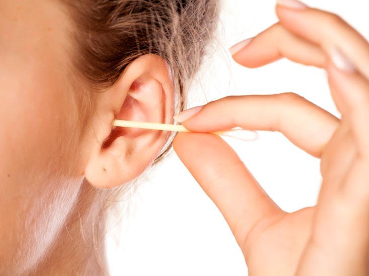 ניקוי אוזניים בקסמי אוזניים