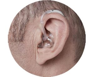 מכשיר שמיעה מאחורי האוזן